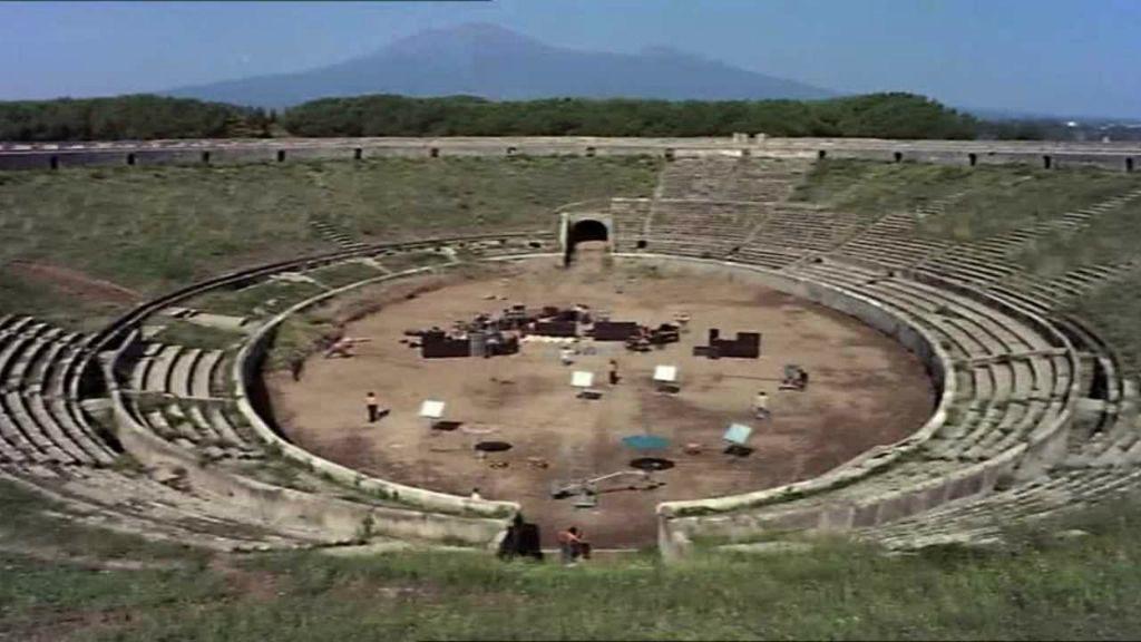 up pompeii david gilmour meets pink floyd fan mary beard