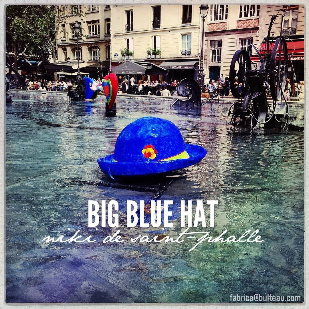 Big Blue Hat  #paris #nikidesaintphalle