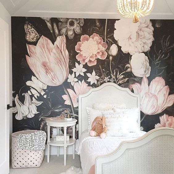 Best Bold Floral Wallpaper In Girls Room Little Girl Rooms 640 x 480
