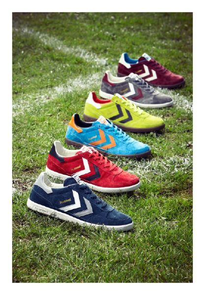 reputable site 00e42 5d21d In a colourful retro design combining nubuck and leather ...