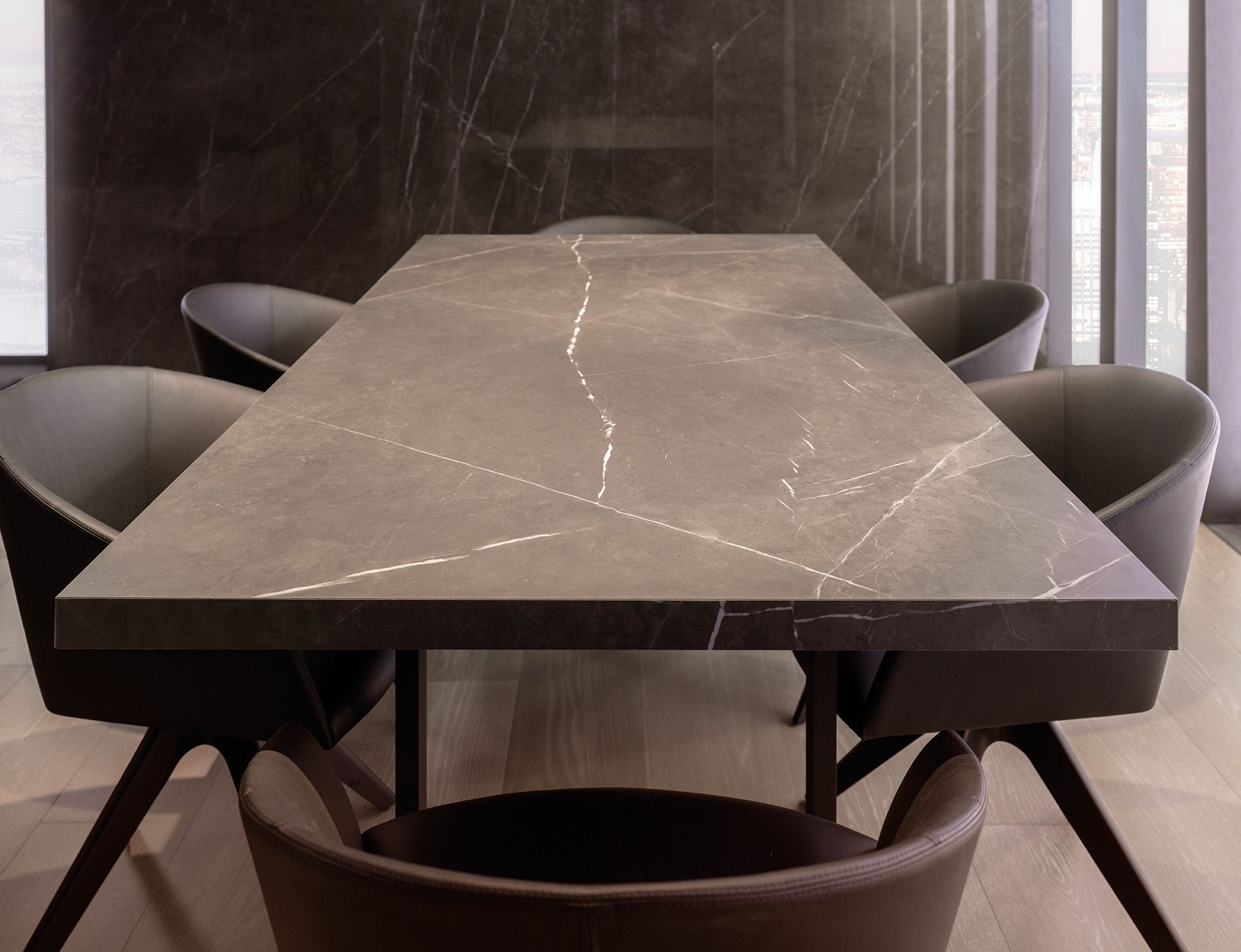 GAME ROOM table and chairs PORCELANOSA Gres porcelánico de fino