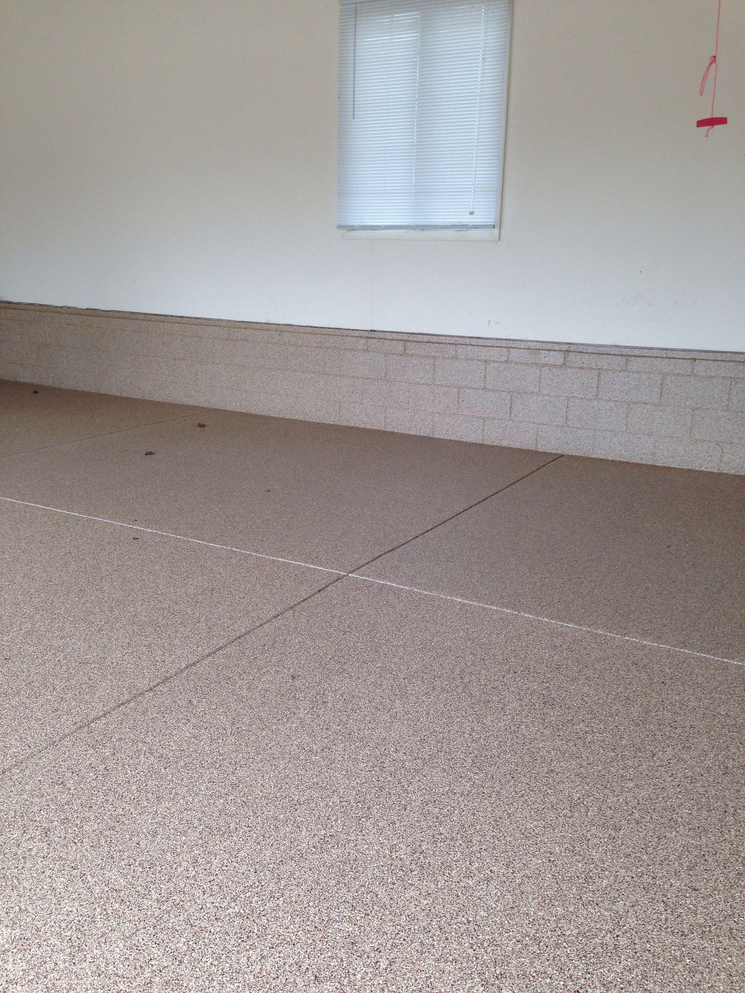 Floor and foundation in this Mullica Hill, NJ garage