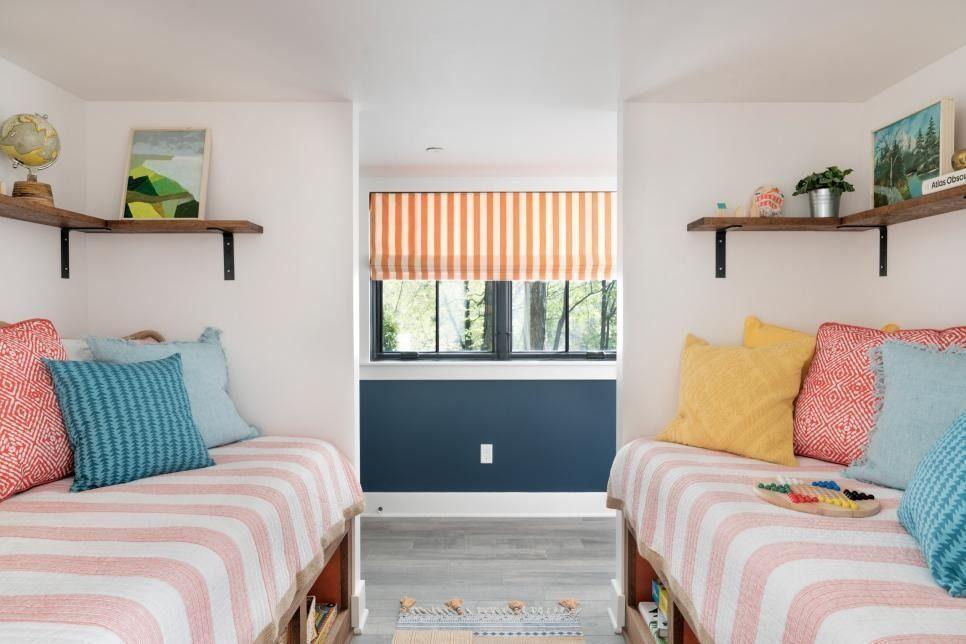 Fit 2 Beds Small Room Bedsmallroomideas Sleeping Nook Creative