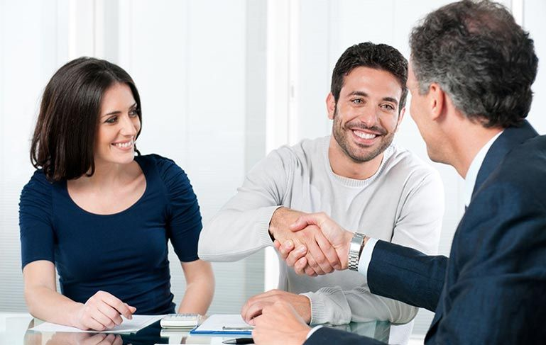Reasons to hire a criminal lawyer best payday loans