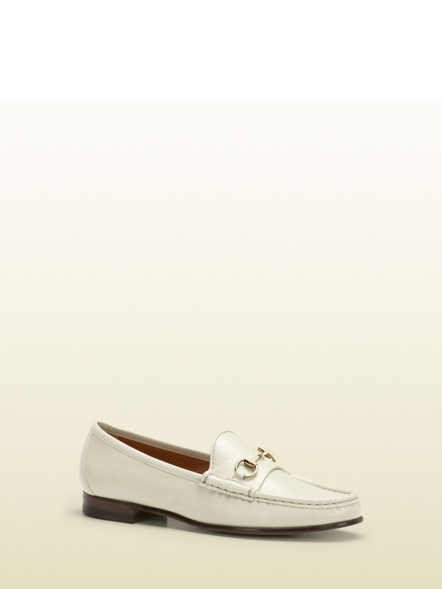 Gucci - 283650 D3V00 1910 - horsebit loafer in leather - women s white  leather light fine gold hardware Made in Italy horsebit detail leather sole 4c08eeb821