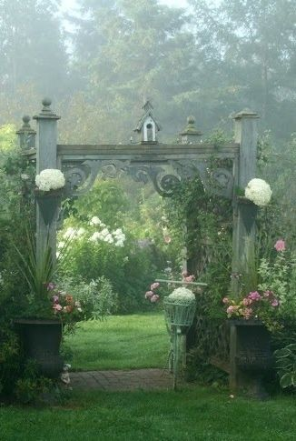 Misty morning garden, so beautiful! | Beautiful gardens ...