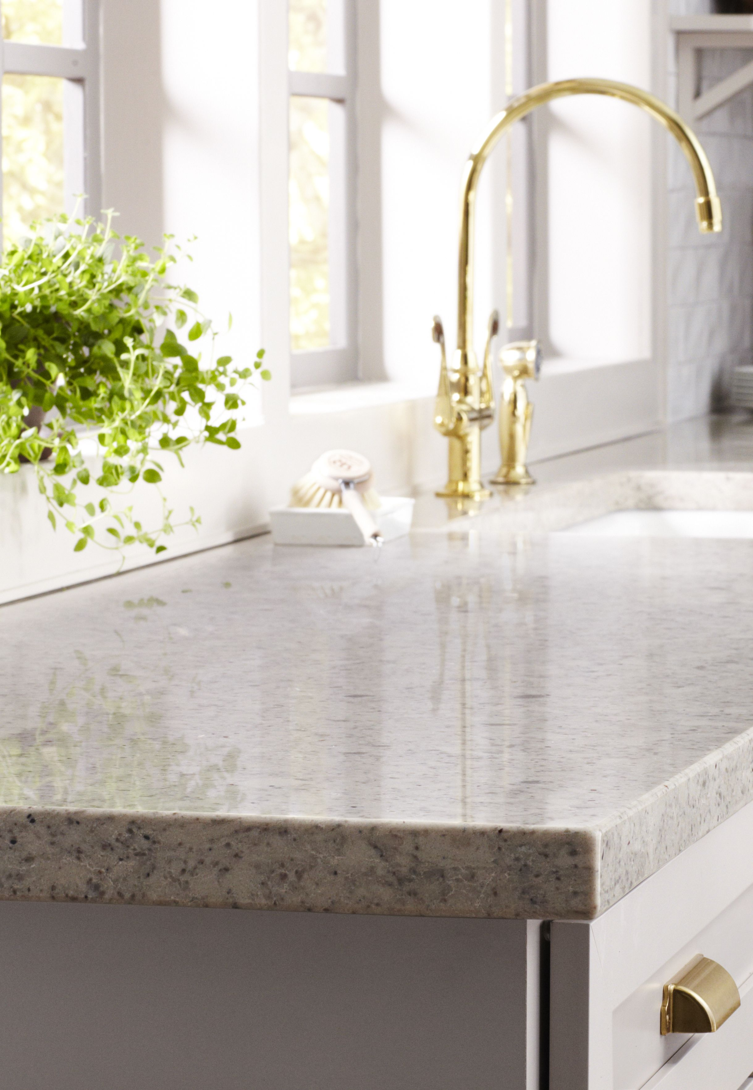 Did You Know Quartz Countertops Resist Spills Stains From Items Like Juice Wine Martha Stewart Living Kitchen Martha Stewart Living Martha Stewart Kitchen