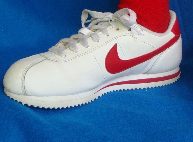 984ee26cb1cc ... Retro Throwback Nike Leather Sneakers with Red Swoosh 70s Style. Indie  Forrest Gump Tennis Shoes ...