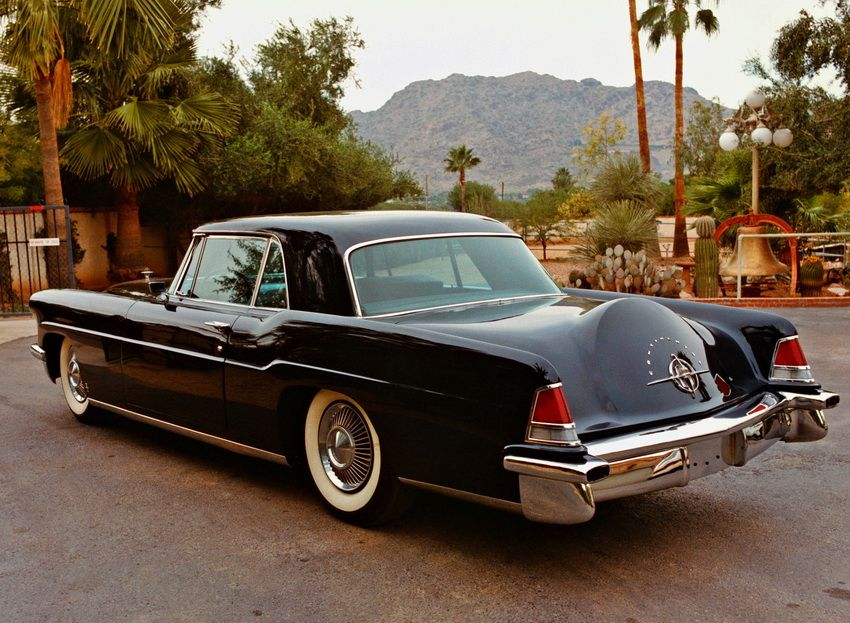 1956 1957 lincoln continental mark ii developed by ford as an answer to elaborate cadillacs and. Black Bedroom Furniture Sets. Home Design Ideas