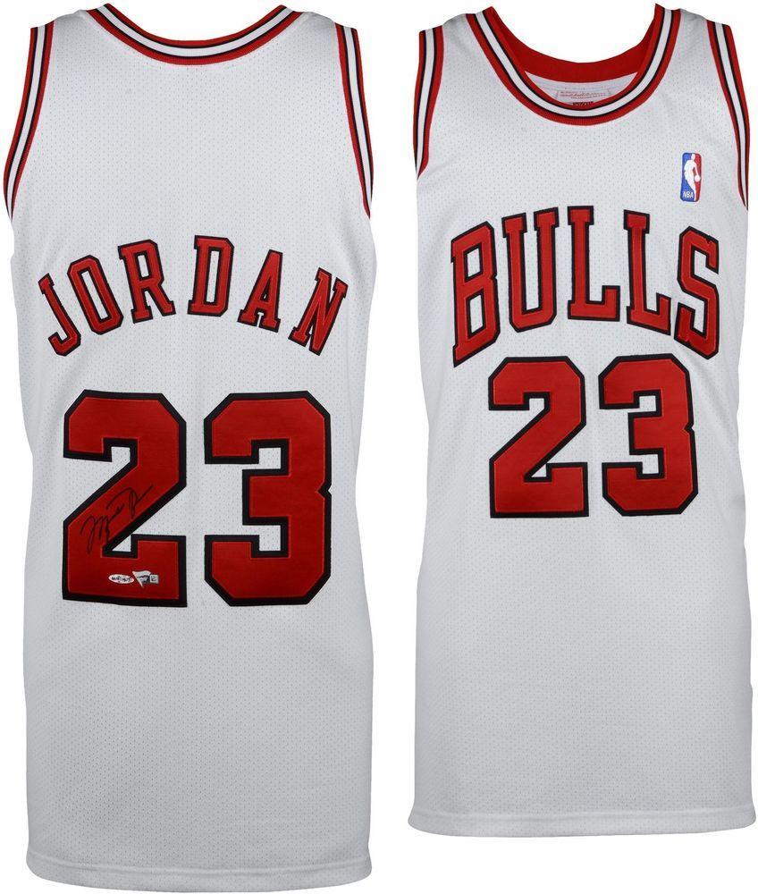 806279b255e Michael Jordan Chicago Bulls Signed White 1997-98 M N Jersey - Upper Deck   sportsmemorabilia  autograph  basketballjersey