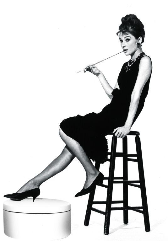 fr hst ck bei tiffany beautiful black audrey hepburn tiffany und retro fashion. Black Bedroom Furniture Sets. Home Design Ideas