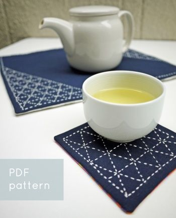 sankaku triangles sashiko-embroidered table set