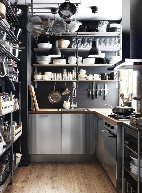 Superior Lots Of Tips And Advice On How To Work With The Limited Space In A Small  Kitchen