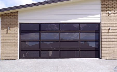 Modern Classic MC43 White PC Finish   Clear Glass   Garage Door | Modern  Classic   Modern Style Aluminum Garage Doors | Pinterest | Modern Classic,  Garage ...