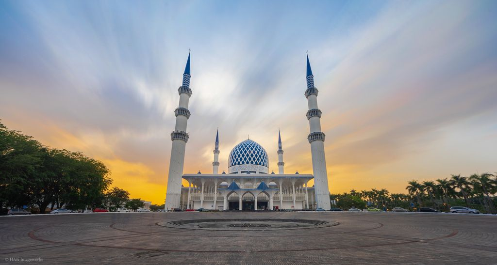 Masjid Sultan Salahuddin Abdul Aziz Shah Waiting For Sunset Masjid Salahuddin Sultan