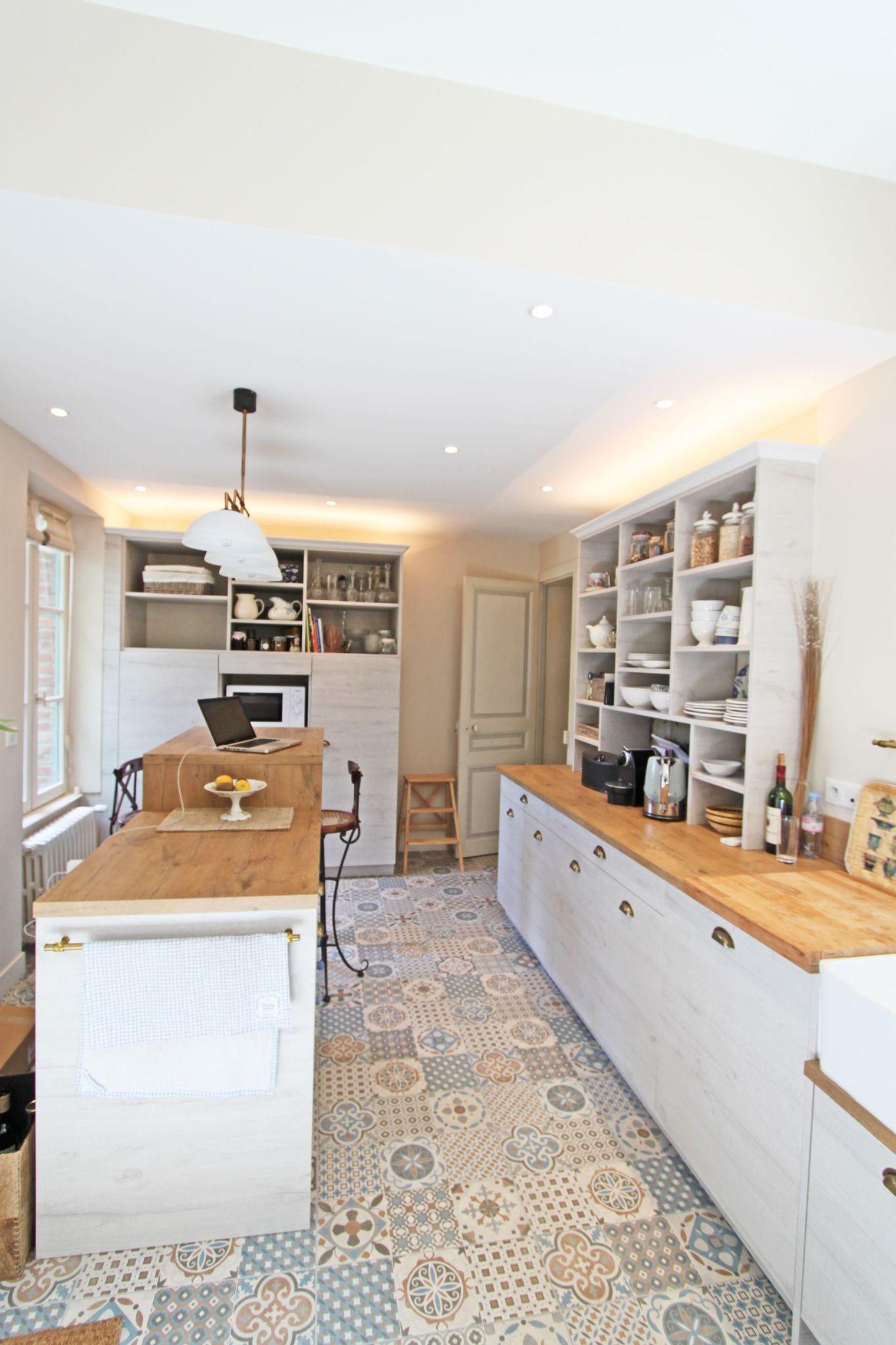 Cuisine campagne chic de 17 m2 r alis e par une archi d for Meuble cuisine campagne