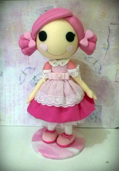 peça com 27 cm, roupa em tecido!!! arteira_2010@hotmail.com