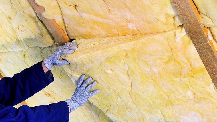 Laine de roche minérale pour isoler la toiture