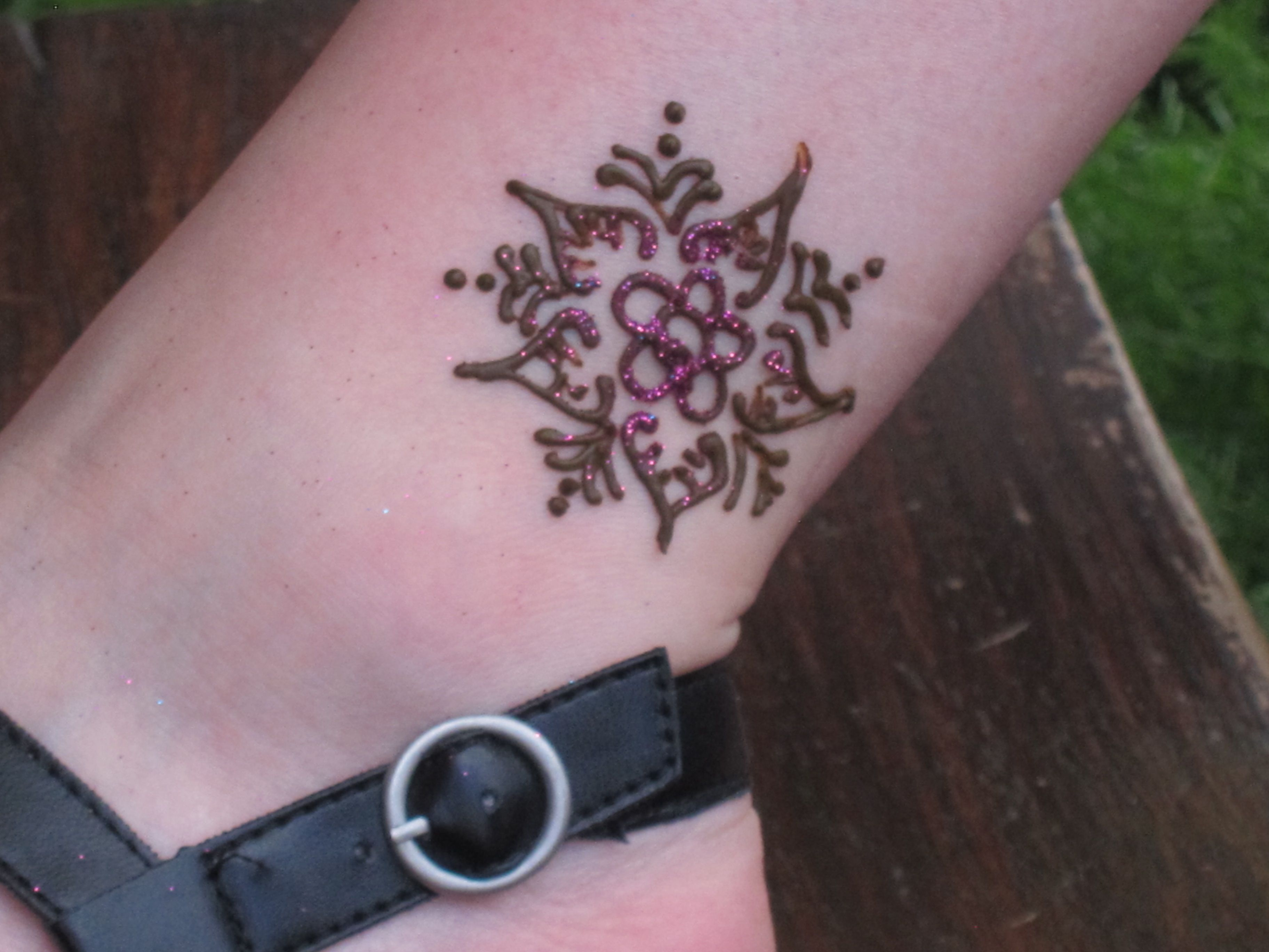 Must Get A Henna Tattoo In Epcot In Morocco Disney Vacation Club