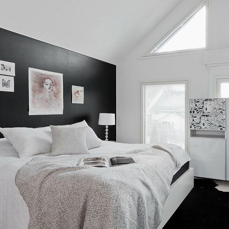 Tämä kaunotar ilmestyy tällä viikolla myyntiin, emmekä millään malttaisi odottaa!  #bolkv #boturku #interiorinspiration #homeforsale #thisiswherethestorybegins #sneakpeek #bedroom #makuuhuone #blackandwhite #beautifulhome #inspiringhomes