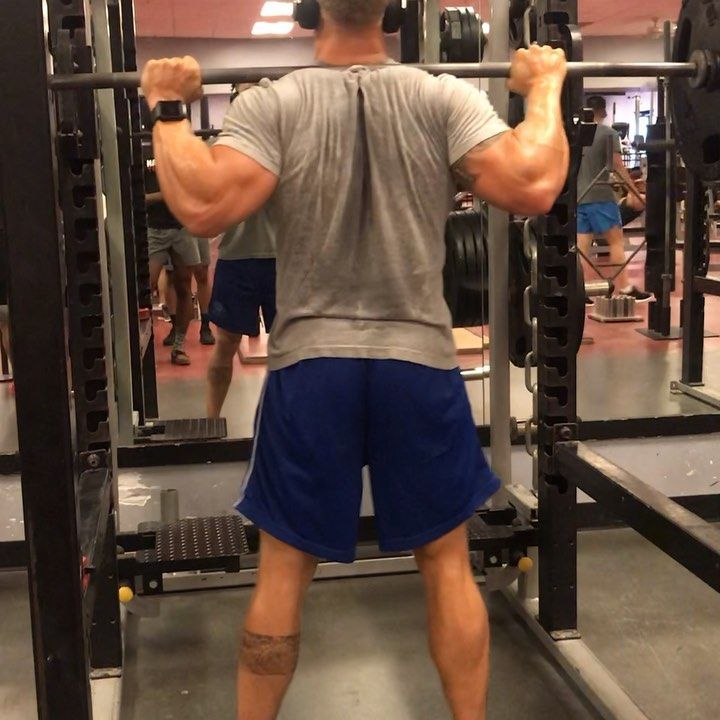 DROP SETS.  First Video:Last set of squats  Second Video: Drop set.  I do my last set of heavy weigh...