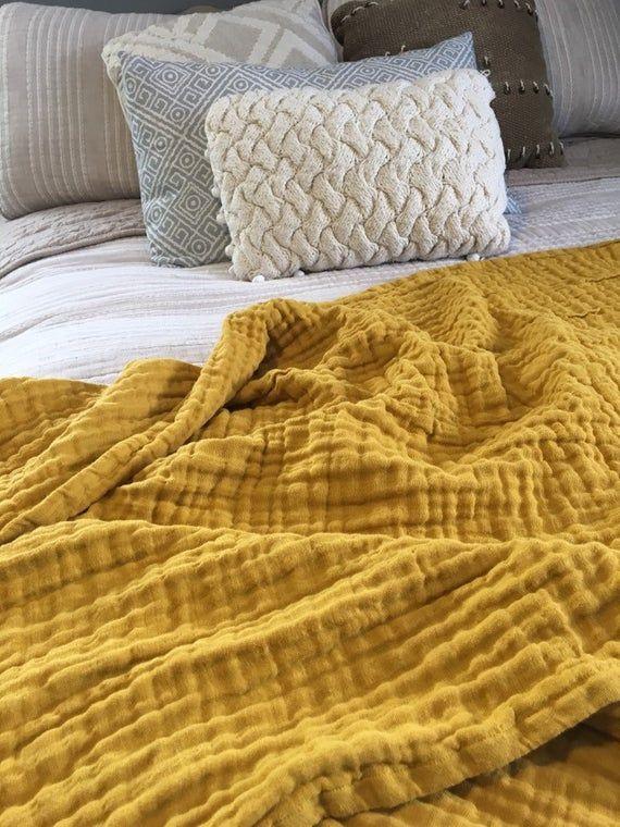 Mustard Gauze Throw Blanket En 2020