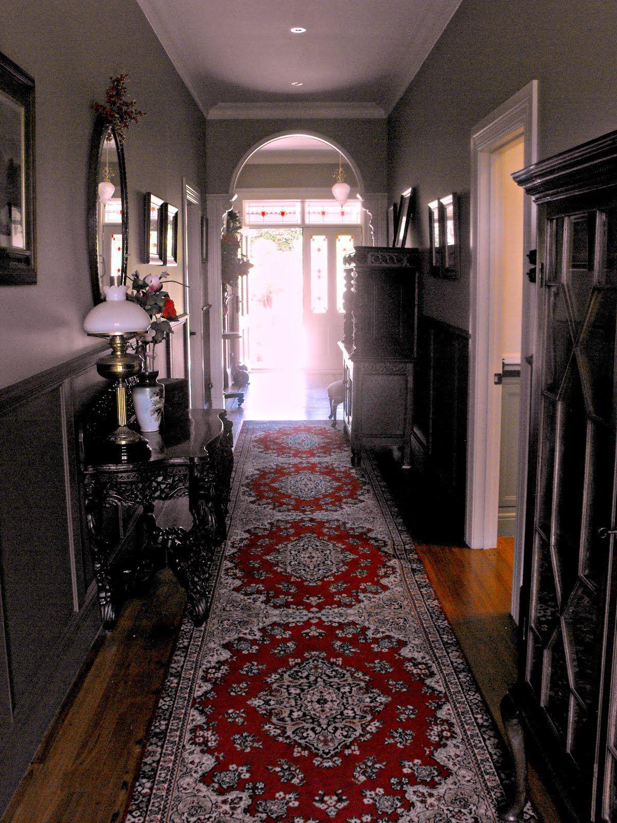 Edwardian Style Hallway With Antique Furniture. NZ Villas