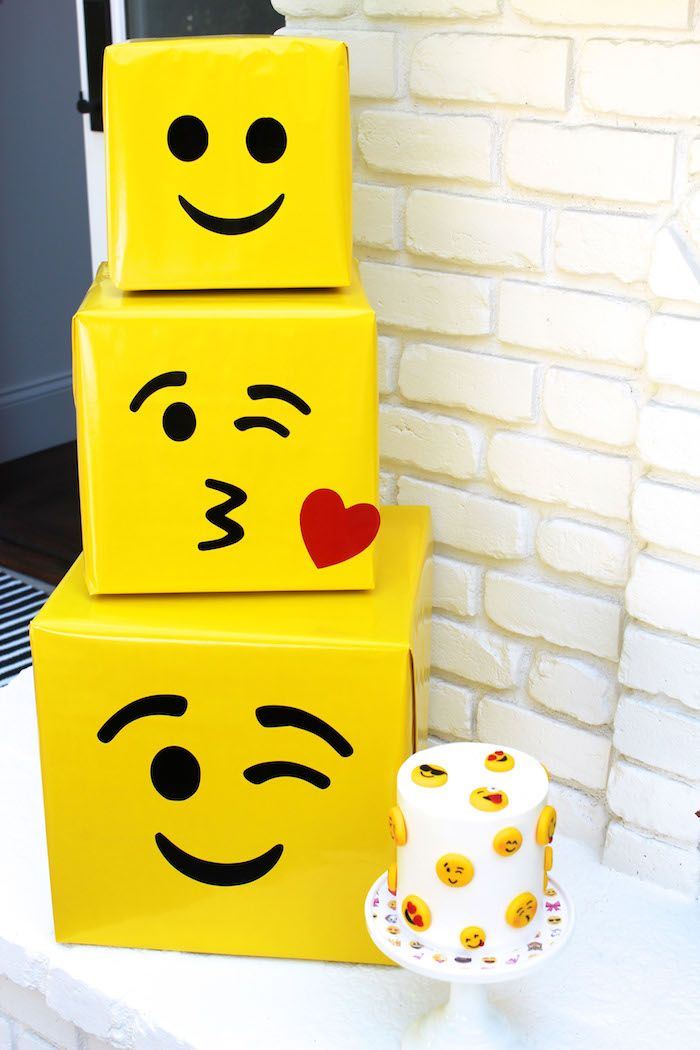 Emoji Boxes From An Birthday Party On Karas Ideas