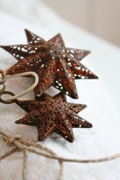 Rusty star ornaments