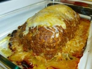 Taco Meatloaf 1 Egg 1 2 Cup Sour Cream Plus More For Serving Optional 1 3 Cup Salsa Plus More For Serving Optional Taco Meatloaf Recipes Meatloaf Recipes