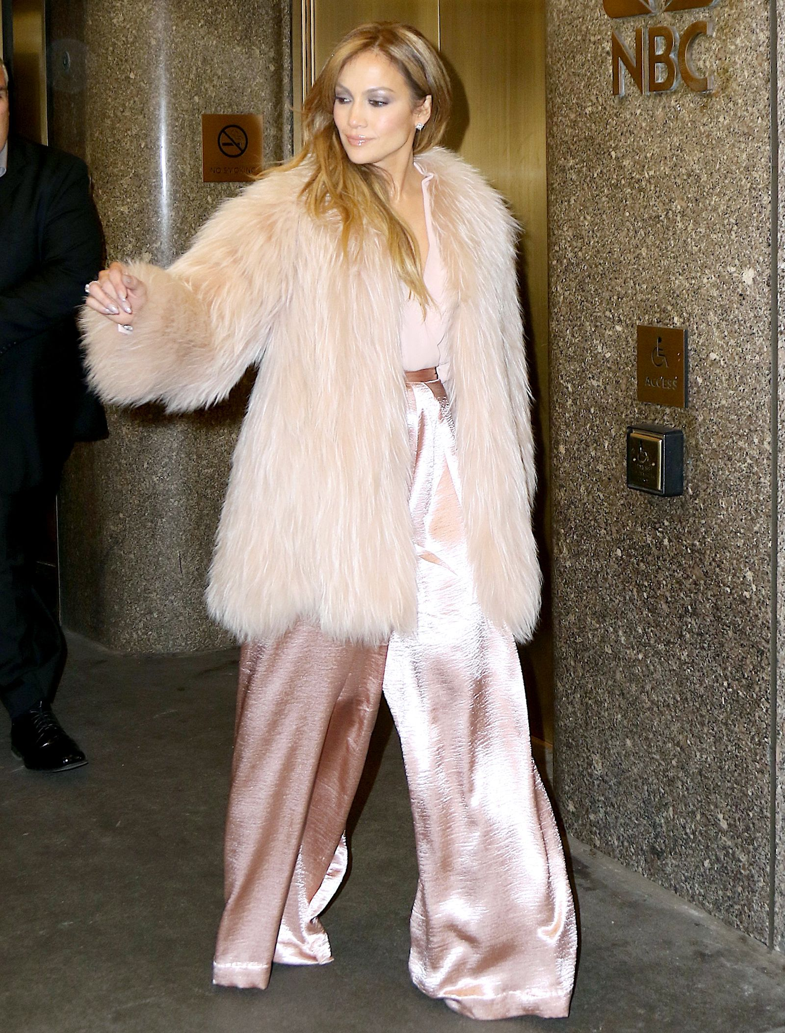 Jennifer Lopez Sizzles in Three Winter Coats: Street Style Photos