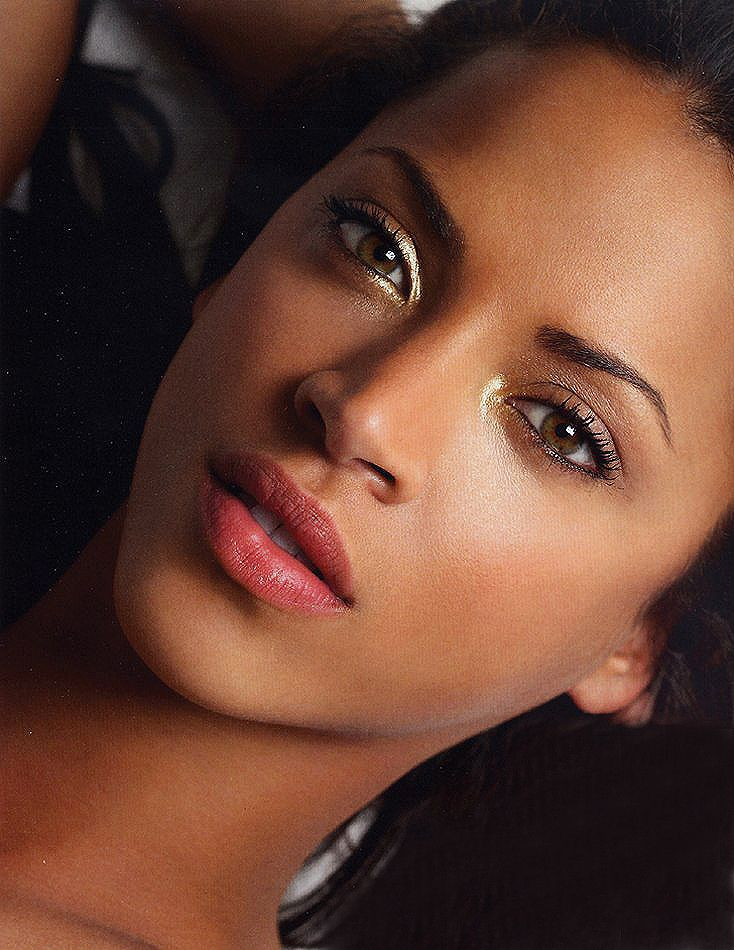 Noemie Lenoir Noemie lenoir, Day makeup looks, Makeup