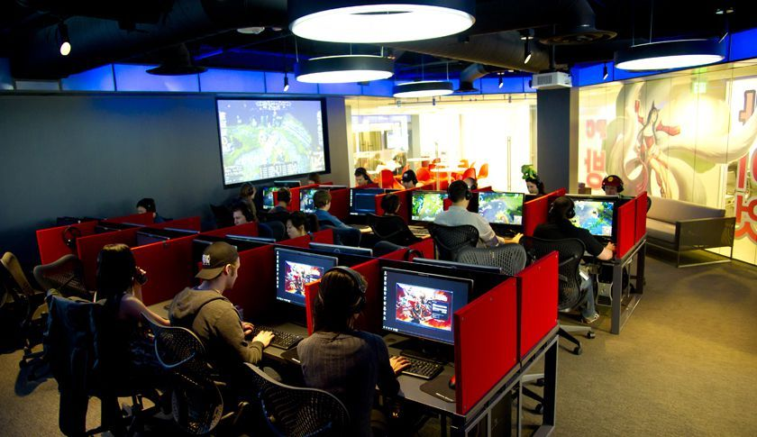 The 25 Coolest Offices Of The 100 Best Companies Cool Office Good Company Cyber Cafe