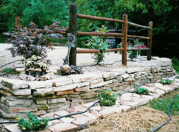 Stacked Stone Garden Edging | Missouri Flagstone Patio Pictures   Flagstone  Walkway Pictures