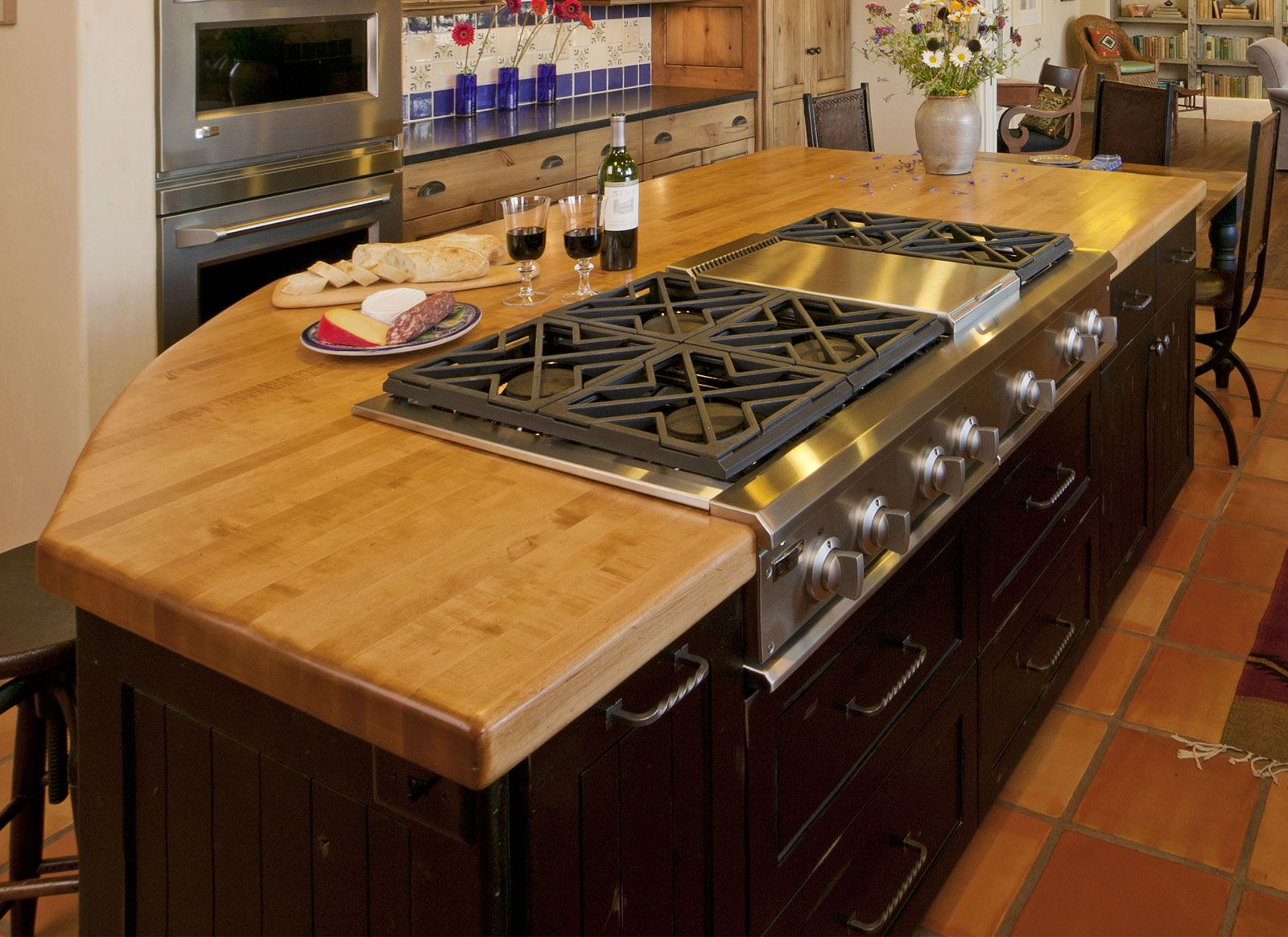 Laminate Countertops Are The Most Popular Choice For Modern Kitchen Design  On A Budget. Description