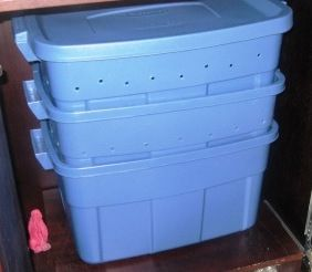 Indoor composting system worm farm made out of for Fishing worm box