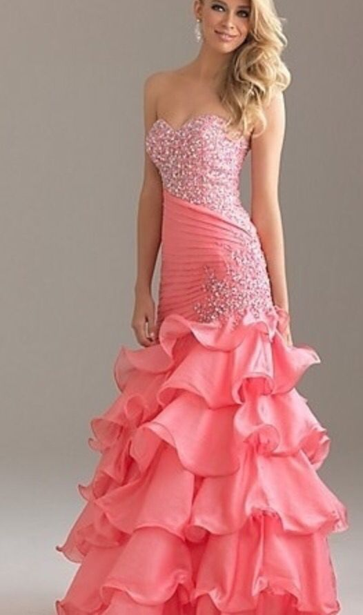 A punk ruffled prom dress. Beautiful sparkles around the top ...