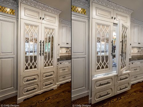 Venetian Mirror Panels And Beautifully Hand Carved Details