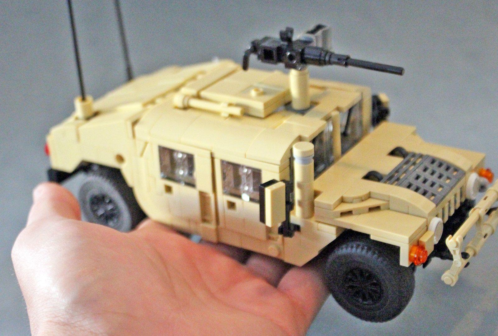 Lego Humvee 10wide (size)   Legos   Lego, Lego pictures