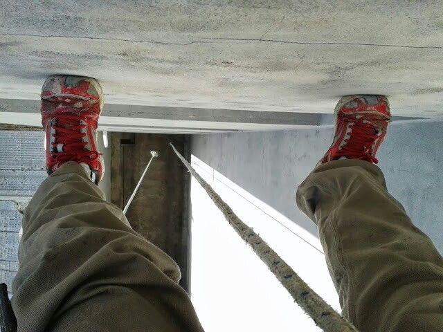 Trabajo de altura. Aproximadamente 16 metros en forma vertical