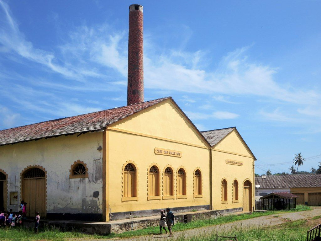 Palm Oil Is Produced In The Casa Das Caldeiras At Roca Agua Ize On