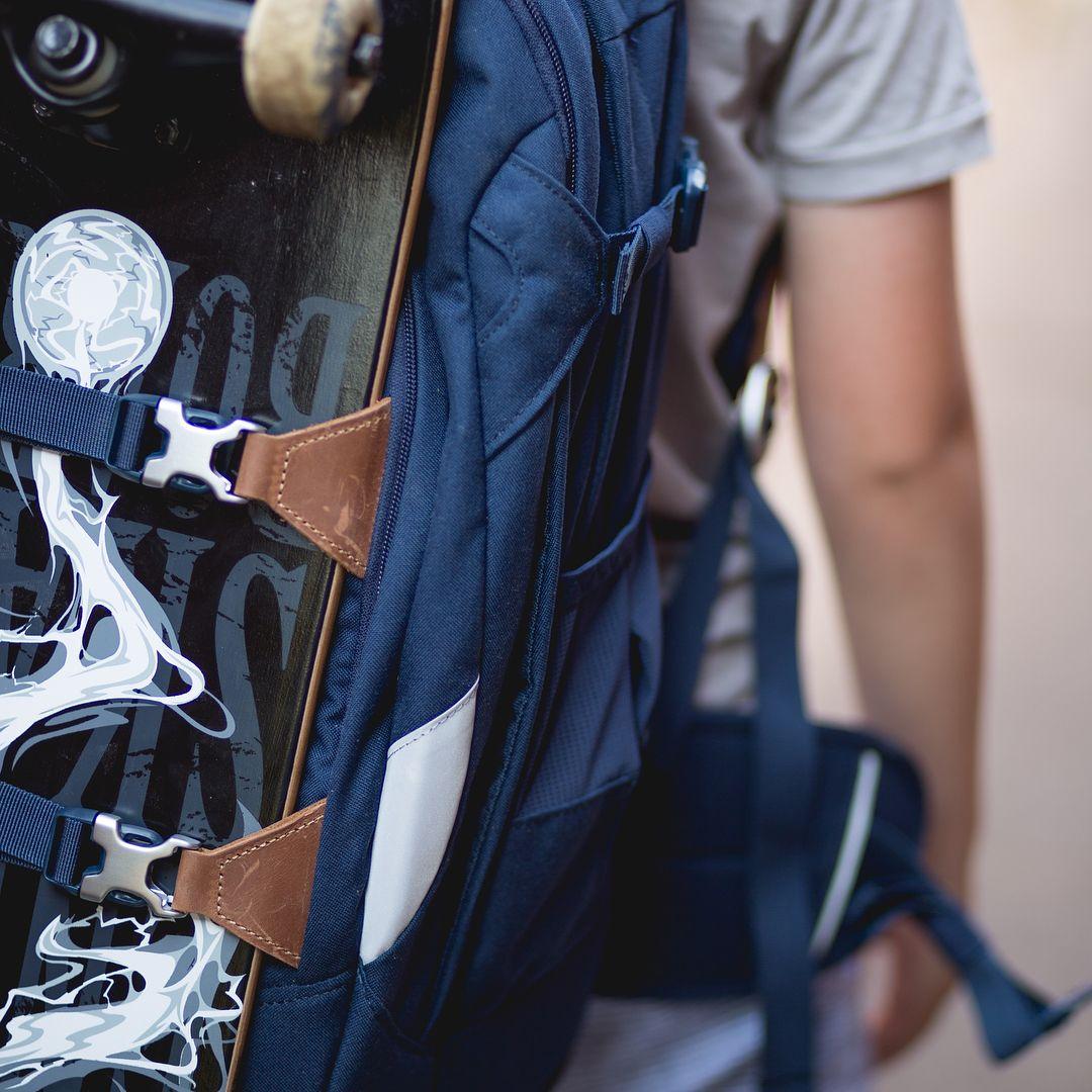 True Blue Mit Dem Satch Pack True Blue 2 0 An Deiner Seite Kann Nichts Mehr Schief Gehen Satch Got Your Back Satch Skater Style Rucks