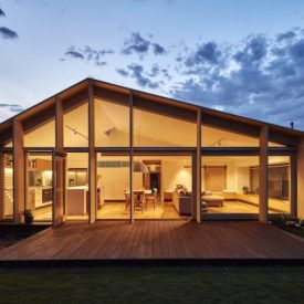 The Latest Comeback Of The Mansard Roof And Its Unusual Advantages Melbourne House House Roof Skillion Roof
