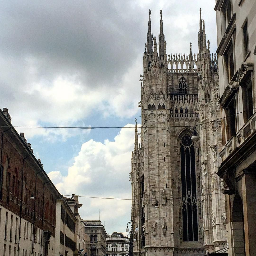 #Milano #duomo #duomomilano #clouds #sky #italy #walking #smile #milanitaly #follow #followme #cosebelle #ilovemilano #picoftheday #image #milanocity #me