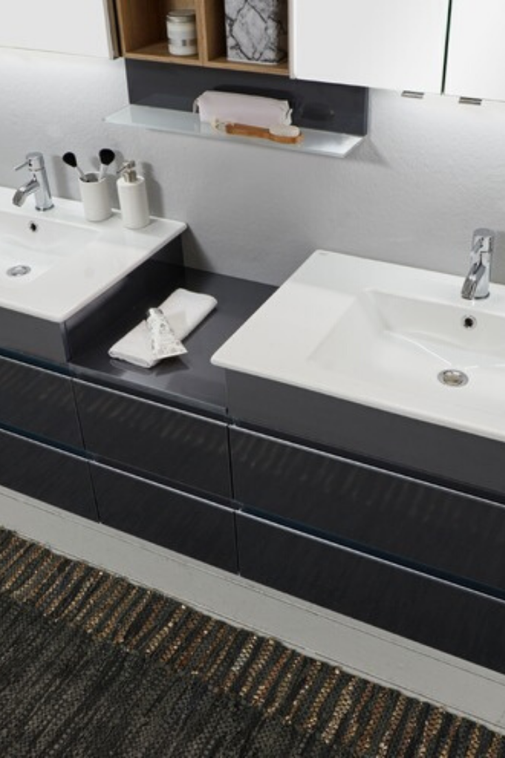 Wenn Du Moderne Designs Und Geradlinige Formen Liebst Kannst Du Mit Dem Waschtischunterschrank 3290 Von Marlin Waschtischunterschrank Schrank Badezimmerideen