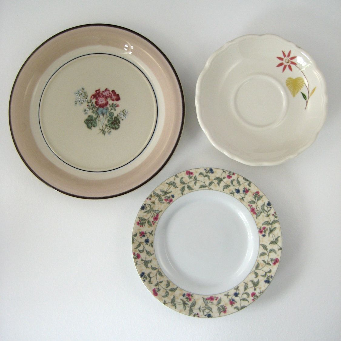 Decorative Plates, Kitchen Wall Decor, Shabby Chic Cottage Home Decor,  Vintage Plate Set