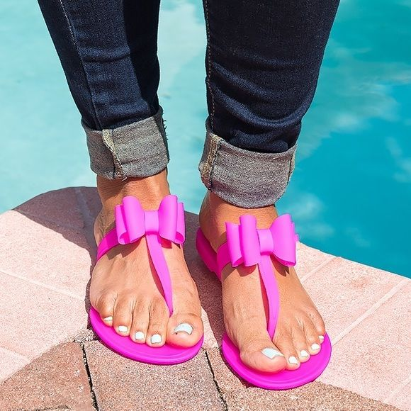 670d2697a6d2 Victoria adames Shoes - Neon Fuchsia Bow Jelly Sandals
