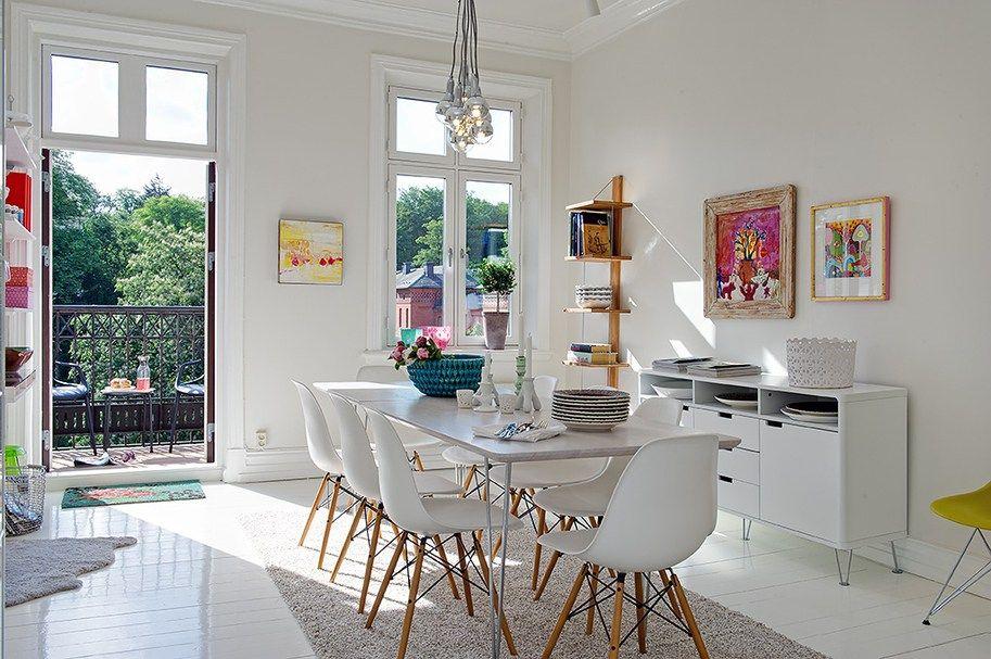 Decoración escandinava en blanco con toques de color | Sillas eames ...