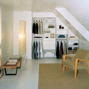 Un dressing mansarde   des idées créatives pour l'usage efficace de l'espace disponible