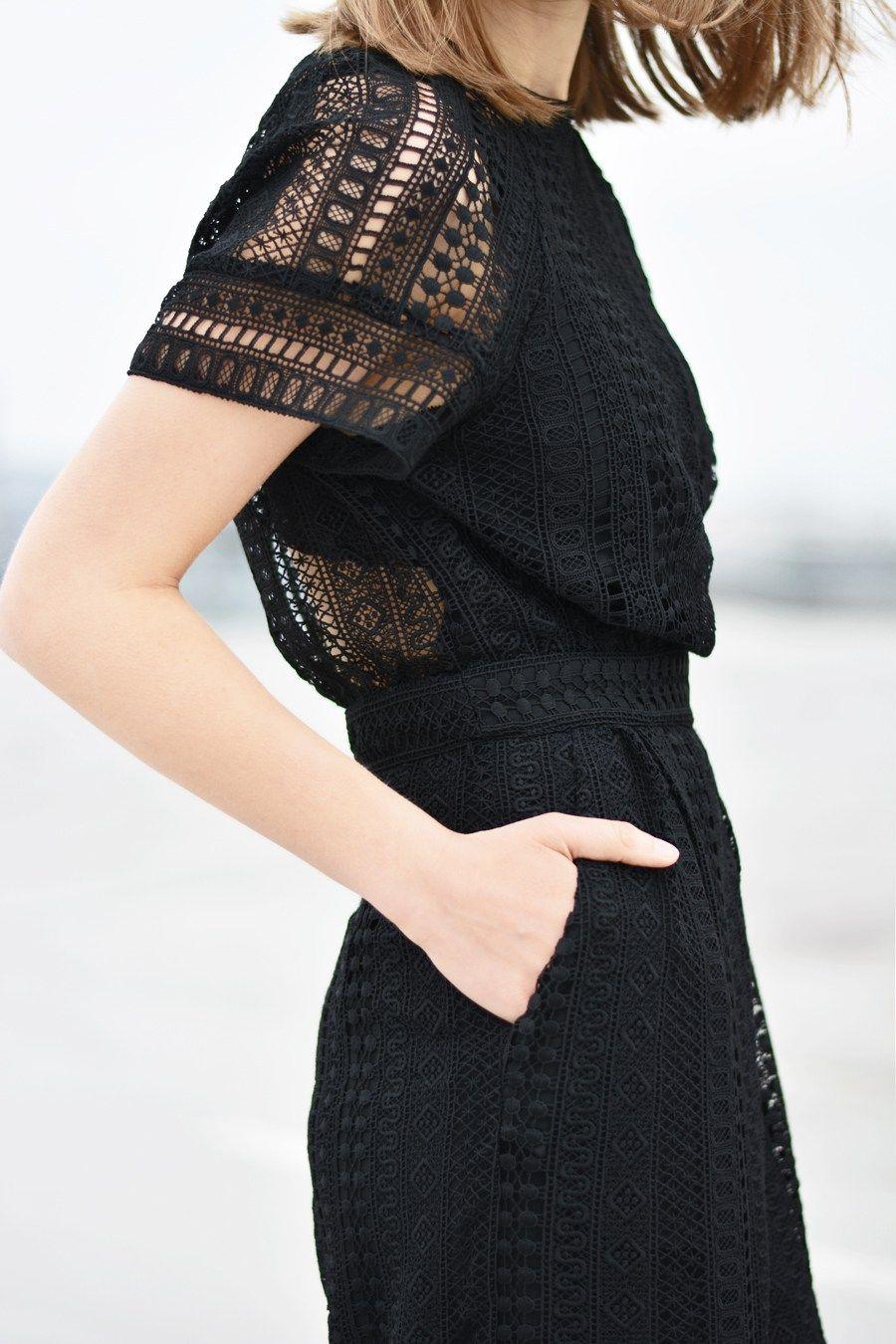 outfit: lace jumpsuit, sandals & vintage handbag | kleidung
